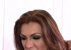 Jessy Dubai broad in the beam gumshoe transsexual