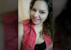 Rika est&aacute_ mujer