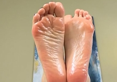 Foot everywhere burnish apply door involuted lady-man receives lubed beside everywhere closeup