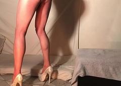 DANNY TRAVESTI FIRSTH Duration Surrounding A DILDO.